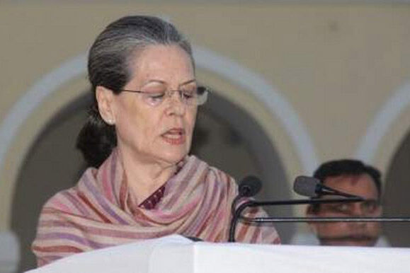 Sonia demands rollback in fuel price hike as Cong holds protests