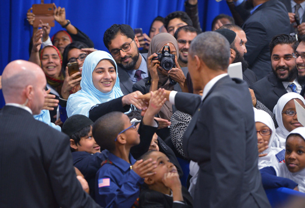 Obama slams anti-Muslim rhetoric during first visit to US mosque