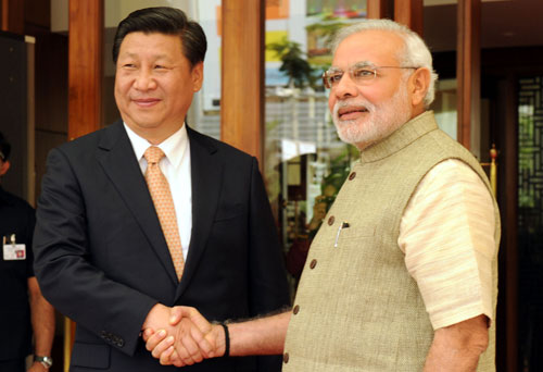 Chinese Prez begins India visit, 3 pacts signed in Guj