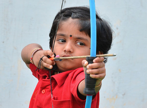 Indian toddler Dolly sets national archery record