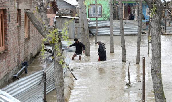 Six bodies recovered from landslides in J-K; toll rises to 16