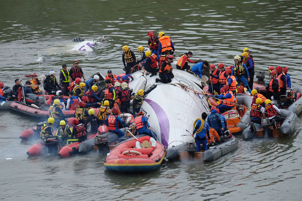 At least nine killed when TransAsia plane crashes into Taiwan river