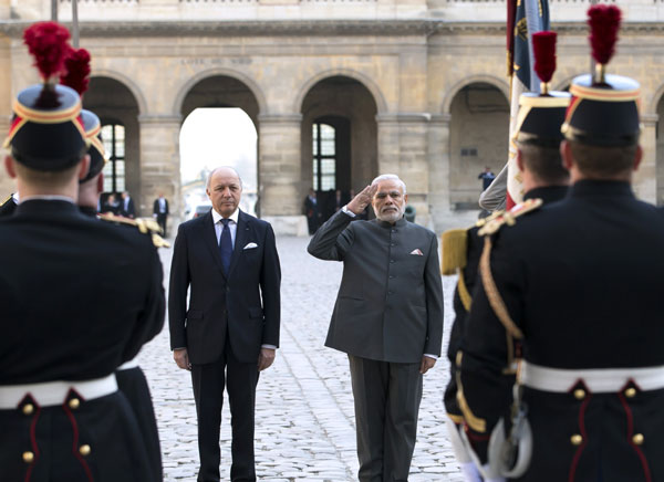 Modi visit: India, France ink 17 agreements, India to buy 36 Rafale jets