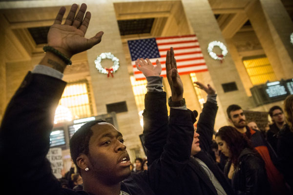 Protests continue in US over killing of black men