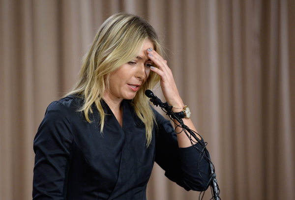 Sharapova slams media, goes defensive on Facebook