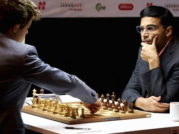 Carlsen crushes Anand in game 6, leads by one point