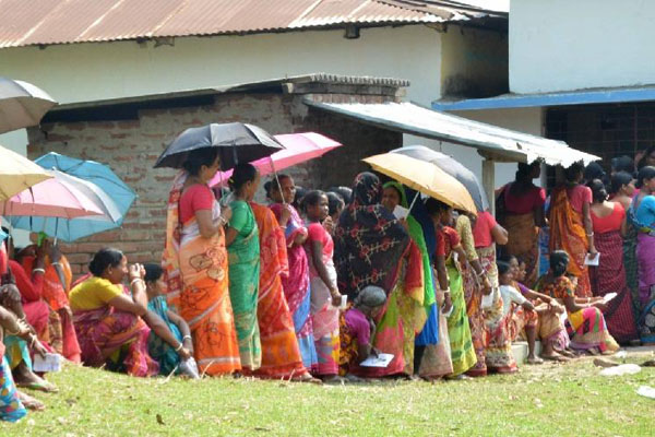 Voting begins with great enthusiasm for Bengal phase four LS polls