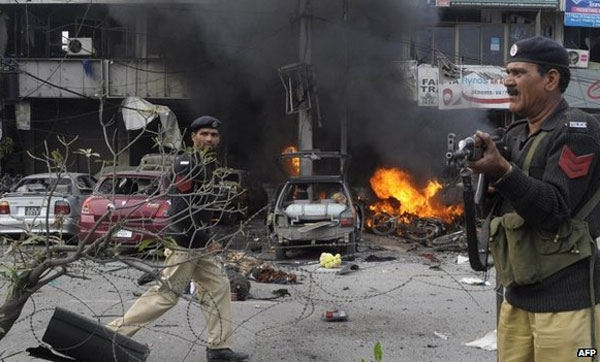 Eight killed in Lahore suicide bombing