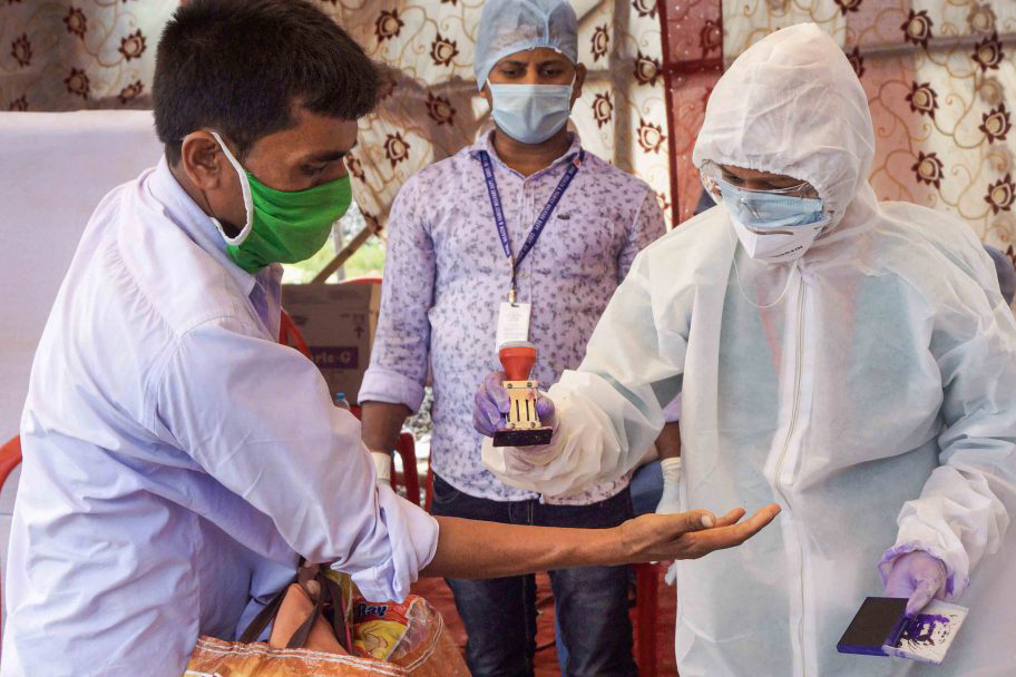 COVID-19 death toll in India climbs to 4,167