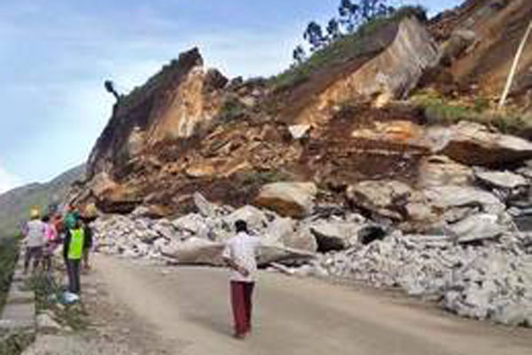 Landslip obstructs traffic on National Highway near Munnar