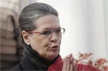 CIC issues notice to Sonia for not responding to RTI plea