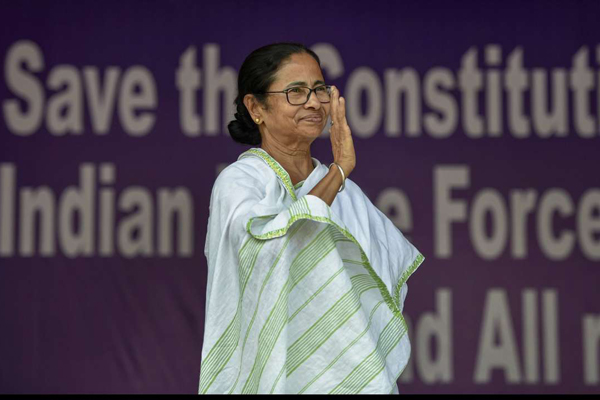 Mamata held sit-in at Metro channel, allow us too: BJP
