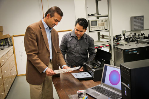 Indian-origin engineers create device for faster wireless technology