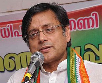 Tharoor draws flak from Cong leaders for his Modi praise