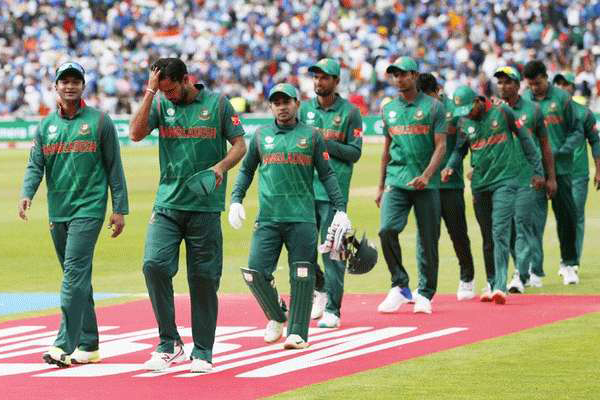 Bangladesh cricketers fly home from New Zealand