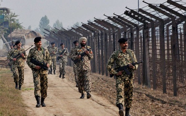 Pakistan Rangers target BSF outposts in Jammu