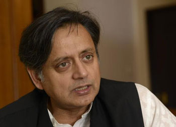 Tharoor in Delhi, likely to be questioned over Sunanda murder