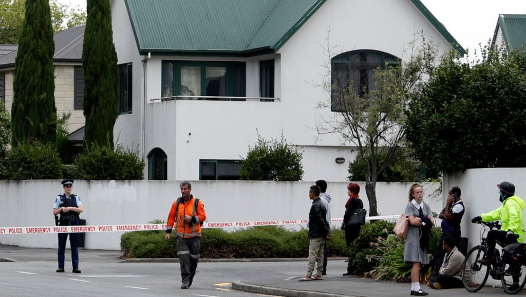 Christchurch teenager charged with distributing mosque rampage livestream