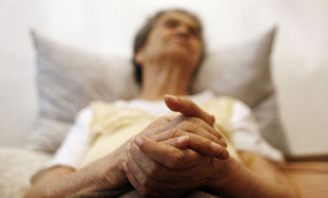 Women more vulnerable to Alzheimers gene: Study