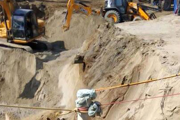 Rescuers close to child trapped in Punjab borewell for 76 hours