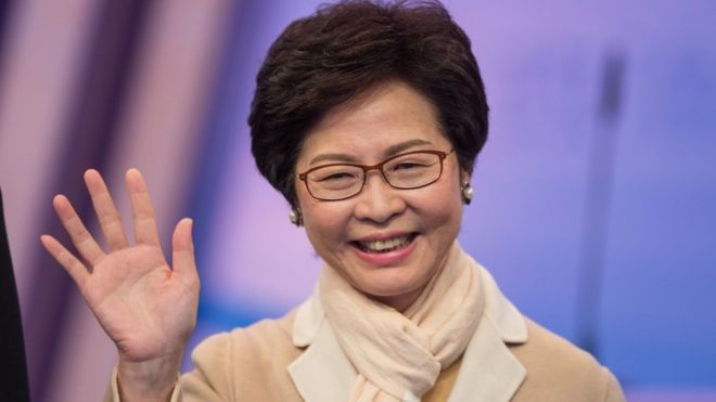 Hong Kong leader open to dialogue but wont budge on demands