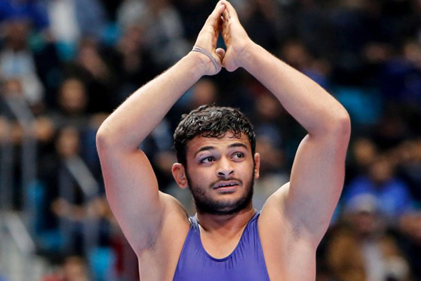 Deepak goes to No.1 in rankings, Vinesh at second spot
