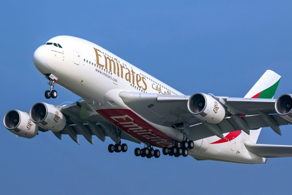 Emirates slims Boeing purchase plans amid 777X delays