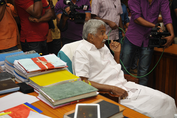 CM Chandy appears before solar scam probe panel