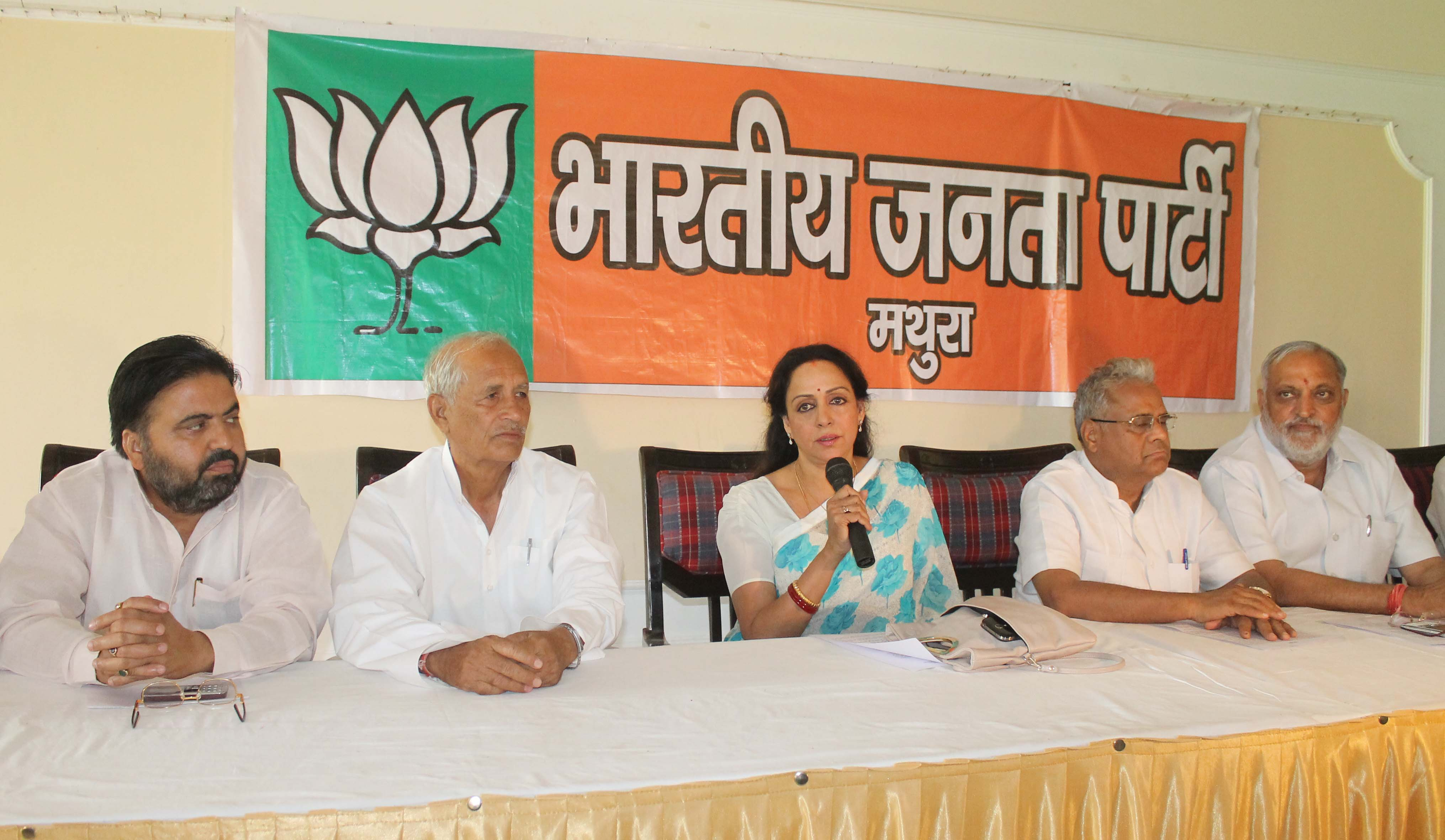Yamuna should be included in clean Ganga mission: Hema Malini