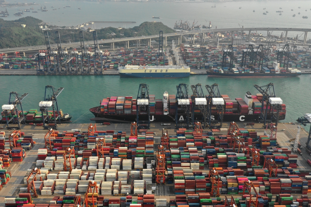 China bans US ships from stopping in HK, sanctions NGOs