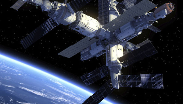 Russia, US in constant contact after false alarm at space station