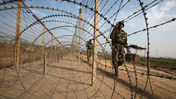Tensions rise as Indian, Pakistani armies clash