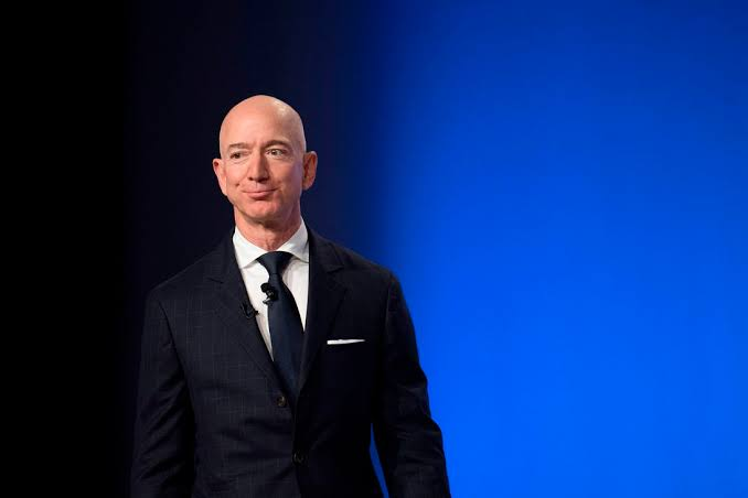 After Goyals snub, Bezos offers 10 lakh new jobs in India