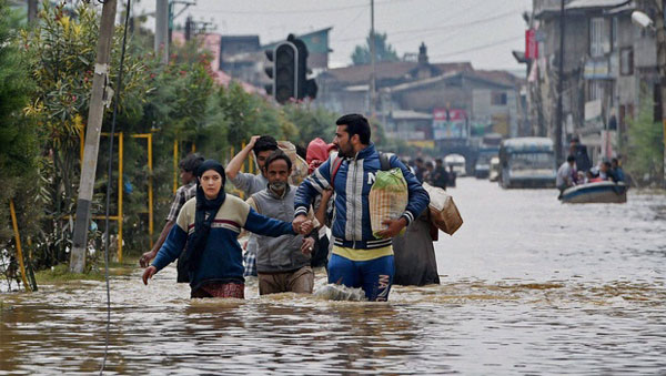 Floods ravage Kashmir; 16 buried alive as houses collapse