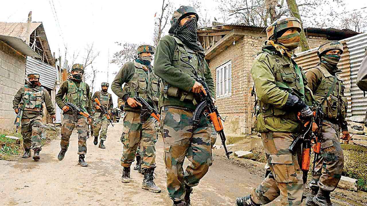 Fearful Valley: Government orders & security advisories keep Kashmir on edge
