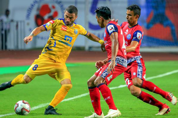 ISL: Kerala Blasters rally to hold Jamshedpur FC in tale of two halves