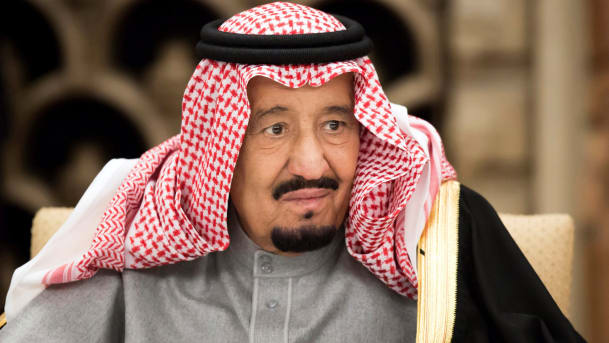 Saudi king urges world to rein in Iran