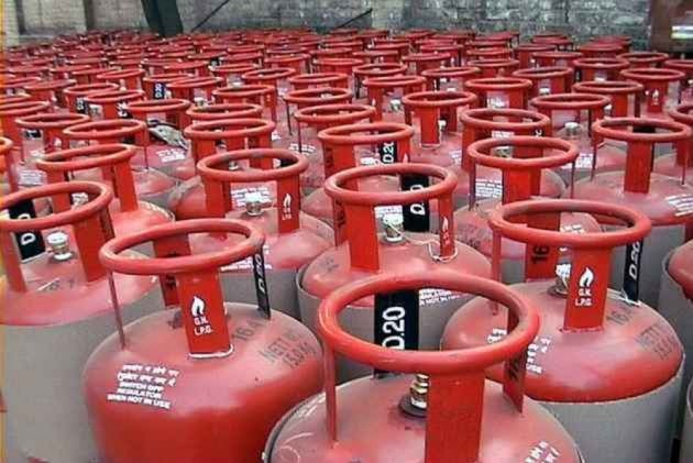 Cylinder bid rigging case: CCI slaps Rs 40 cr fine on 51 entities, officials