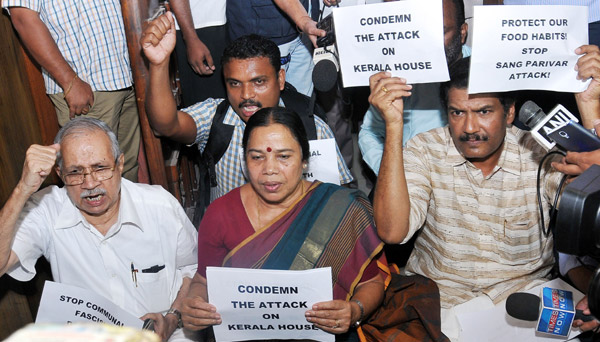 Beef raid: MPs protest outside Kerala House in Delhi