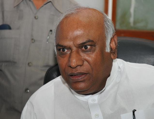 Congress appoints Kharge as its leader in Lok Sabha