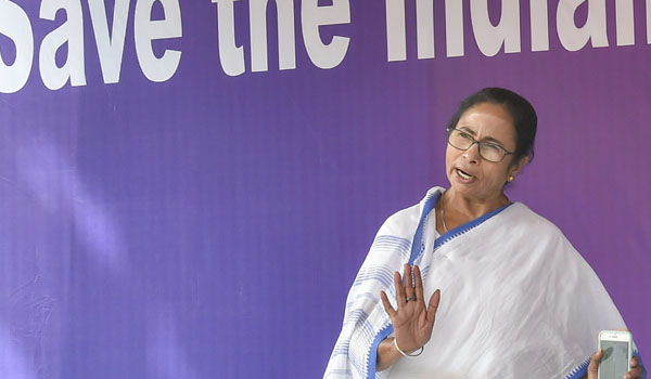 Mamata continues sit-in, SP leader joins protest