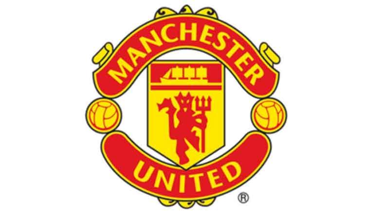 Van Persie treble fires United to 20th title