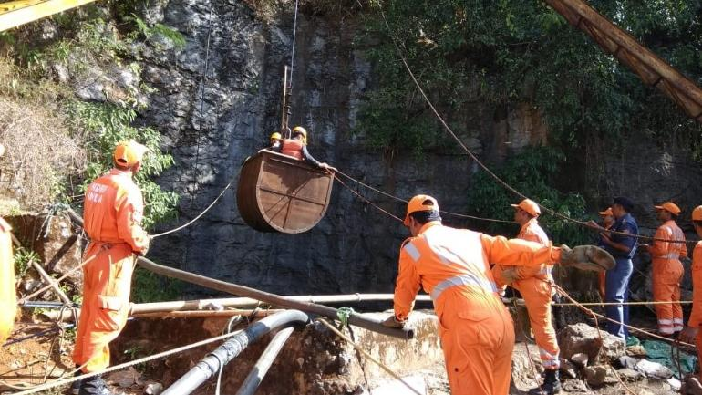 Mining experts, firefighters, Navy join rescue operation in Meghalaya