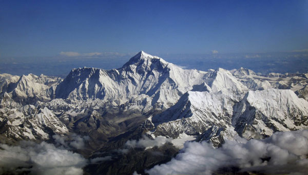 A flight to touch Mt. Everest with your heart