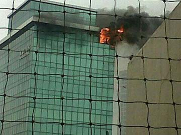 Fireman killed in Mumbai high rise blaze