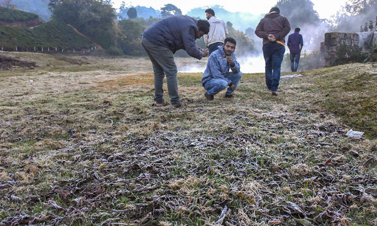Munnar woo tourists with sub-zero