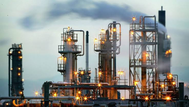 UAE to invest $5bn in oil refinery project in Pak
