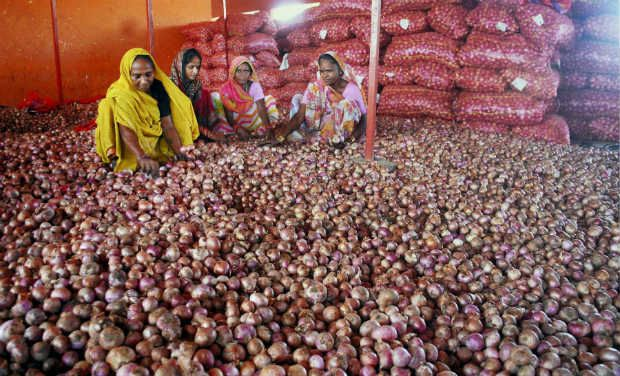India hikes minimum export price of onions by 67 percent