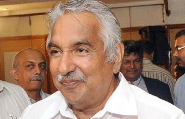 Oommen Chandy holds weekly durbar on yoga day