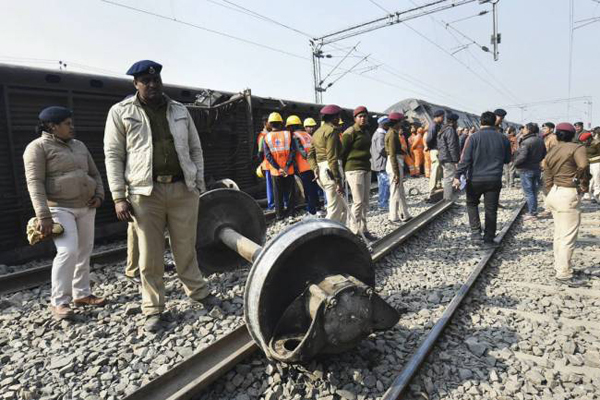 Politicians trade charges in Bihar over train mishap